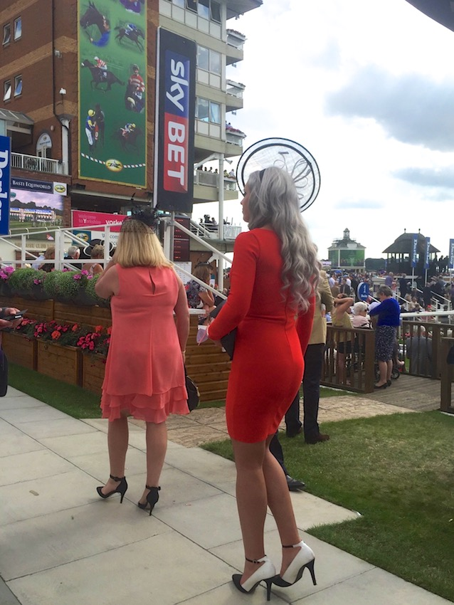 #peoplewatching #ladiesday 765