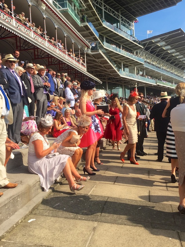 #peoplewatching #ladiesday 772